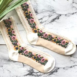 Accessories - CREAM SOCKS WITH FLORAL PRINT- NEW